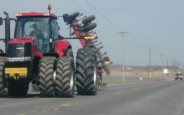 EASTERN ONTARIO: Police called as teen seen driving tractor