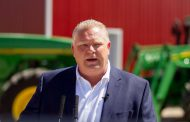 Ford government passes bill freezing minimum wage increase