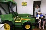 WESTERN ONTARIO: Windsor boy gets John Deere tractor bed from Make-a-Wish Foundation