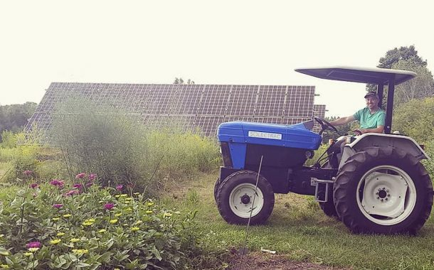 309a6c4774cc9 EASTERN ONTARIO  Farmer first to test electric solar-powered tractor