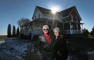 Ottawa couple sells farm, donates $1 million from sale to local hospital