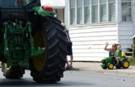 Winchester tractor parade draws up to 70 machines